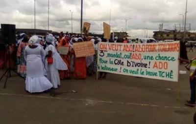 Côte d'Ivoire: Des femmes marchent pour réclamer un 3è mandat à Ouattara